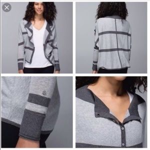 Lululemon 2 in 1 sweater size 8